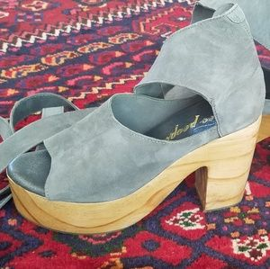 NWOT Free People Touch The Sky Clogs sz39